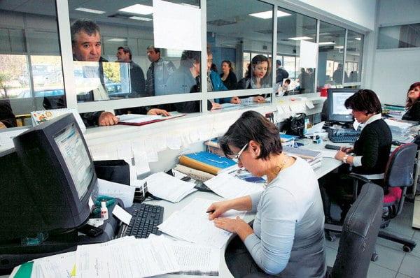 Αλλάζει ο τρόπος υπολογισμού εξόδων μετακίνησης δημοσίων και δημοτικών υπαλλήλων