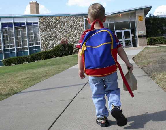 Με νομοθετική ρύθμιση λύνεται το πρόβλημα της μεταφοράς των μαθητών