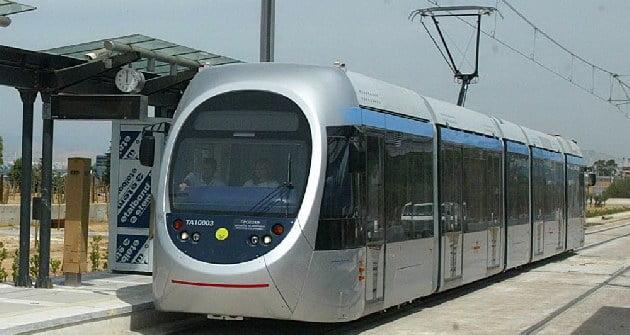 tram_830586392.jpg