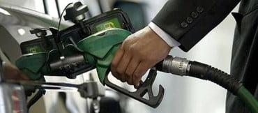 Πάνω από 2 ευρώ στα νησιά η τιμή της βενζίνης