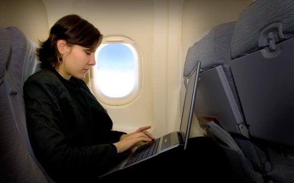 ptisi-aeroplano-laptop.jpg