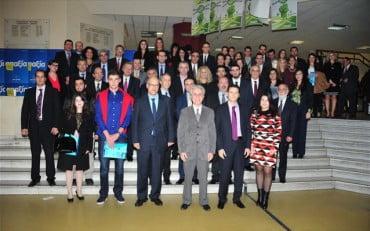 Πανεπιστήμιο Πειραιώς: Επιβράβευση 44 φοιτητών με 97.500 από 29 χορηγούς