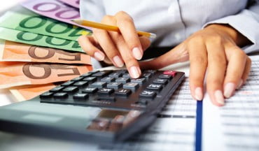 Νέα διπλή αύξηση στις εισφορές των επαγγελματιών τον Οκτώβριο