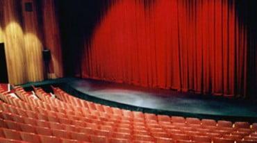 Συνεργάτης στο Εθνικό Θέατρο