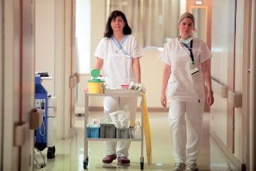 Kοινωφελή εργασία 12μηνης διάρκειας για 10.000 ανέργους σε νοσοκομεία