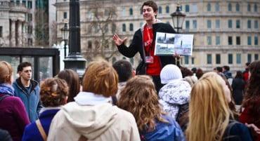 Ανοίγει ξανά η Σχολή Ξεναγών της Αθήνας