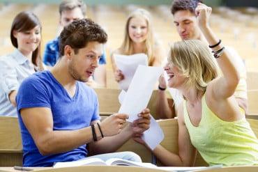 ΕΛΠΕ: Υποτροφίες σε νέους για να πραγματοποιήσουν την πρακτική τους στο εξωτερικό