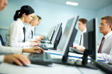 ΟΑΕΔ: Πρόγραμμα κατάρτισης 6.339 ωφελούμενων από την κοινωφελή εργασία