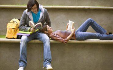 Η ΑΑΔΕ βάζει στο στόχαστρο τους φοιτητές