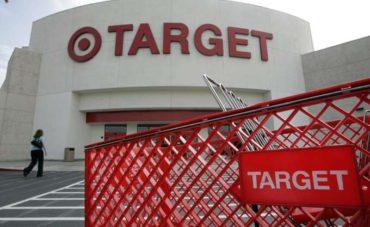 Target: Προσλαμβάνει 100.000 υπαλλήλους για τις γιορτές