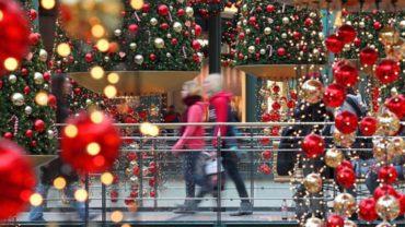 Στις 12 Δεκεμβρίου ξεκινάει το εορταστικό ωράριο των καταστημάτων
