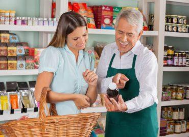 Πωλητές και πωλήτριες σε γνωστές εταιρίες