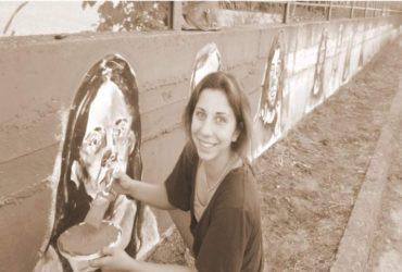 Μια δεκαοκτάχρονη αλλάζει την εικόνα της πόλης με τις πινελίες της