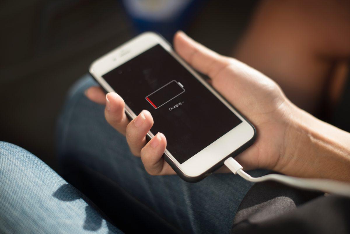 Κινητά τηλέφωνα: Πώς θα φορτίζονται στο μέλλον οι συσκευές χωρίς μπαταρία