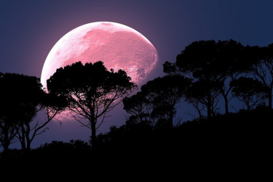 Απόψε η «Ροζ Πανσέληνος»