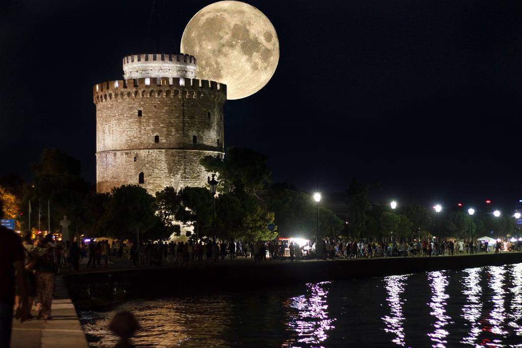 Δωρεάν εκδηλώσεις υπό την Αυγουστιάτικη Πανσέληνο στη Θεσσαλονίκη