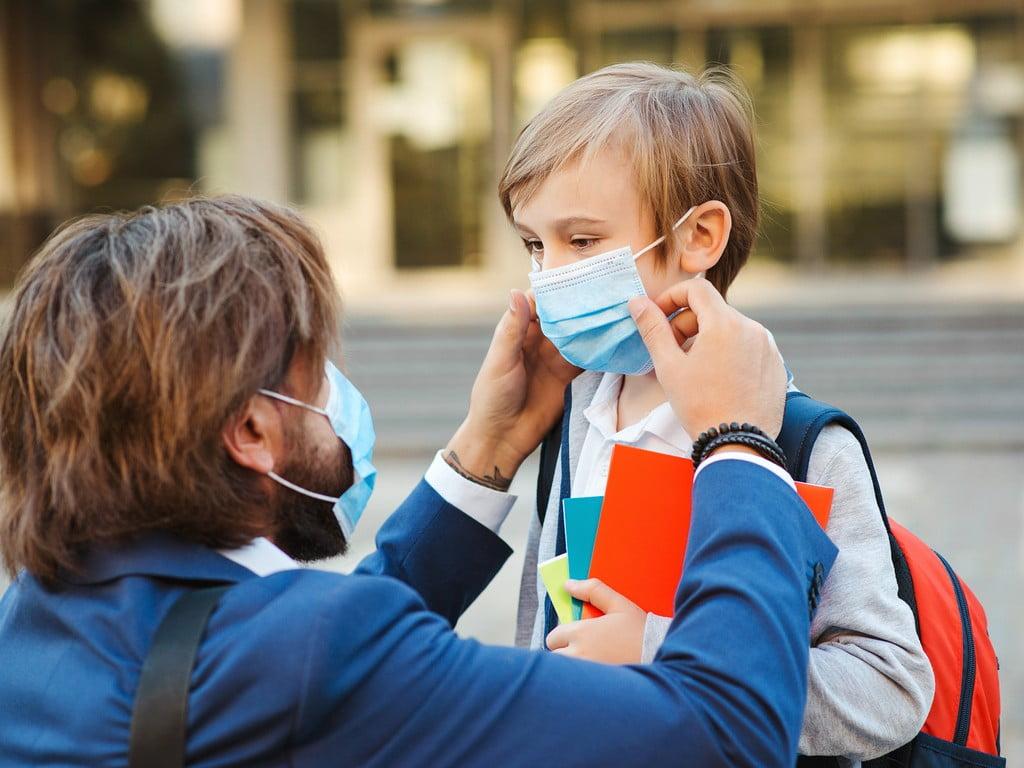Νέος διαγωνισμός της ΚΕΔΕ για τις μάσκες στα σχολεία